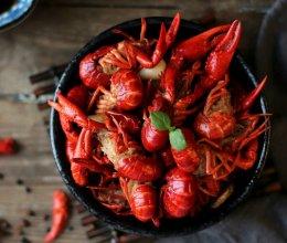 #一人一道拿手菜# 小龙虾的做法