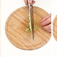 宝宝辅食微课堂  时蔬蛋蒸饭的做法图解2