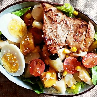 鸡胸肉粗粮杂蔬沙拉