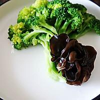 #硬核菜谱制作人#凉拌西兰花黑木耳的做法图解8
