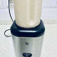 #花10分钟,做一道菜!#香蕉花生奶昔的做法图解7