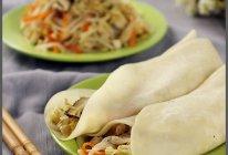 蒸饼卷菜的做法