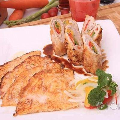 《顶级厨师》参赛作品:五彩猪肉卷配西瓜薄饼