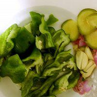 快手菜——爆炒牛蛙的做法图解2