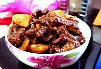 排骨鸡胗压土豆的做法