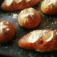 德国碱水面包的做法图解11