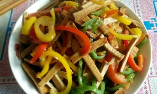 彩椒炒豆干的做法