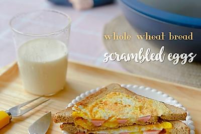 今日份早餐|黄金芝士蛋肠三明治