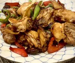 青红辣椒炒农家鸡的做法