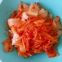 泡菜培根鸡肉炒饭的做法图解1