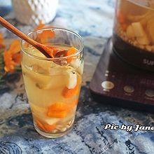 雪梨马蹄胡萝卜薏米饮