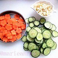 黄瓜胡萝卜炒肉片的做法图解1