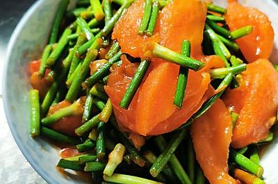 西红柿炒蒜苔