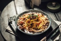 杭儿风韭黄香干肉丝的做法