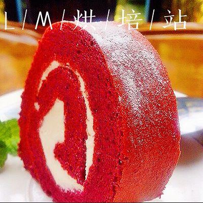 香蕉红丝绒蛋糕卷