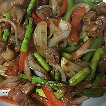 黑椒芦笋香炒牛肉粒