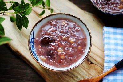 紫米红豆杂粮粥