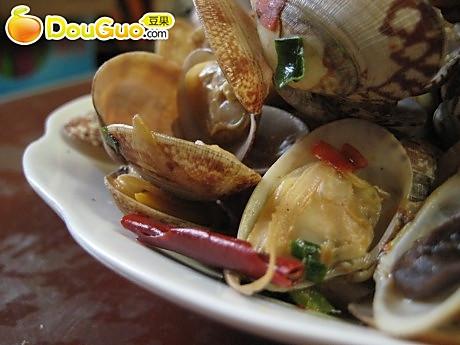 豆瓣酱炒花蛤的做法