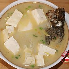 鲜美可口鲫鱼豆腐汤