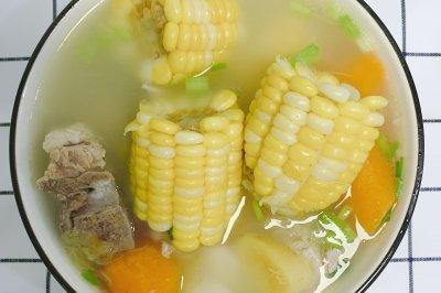 宝宝滋补玉米排骨汤
