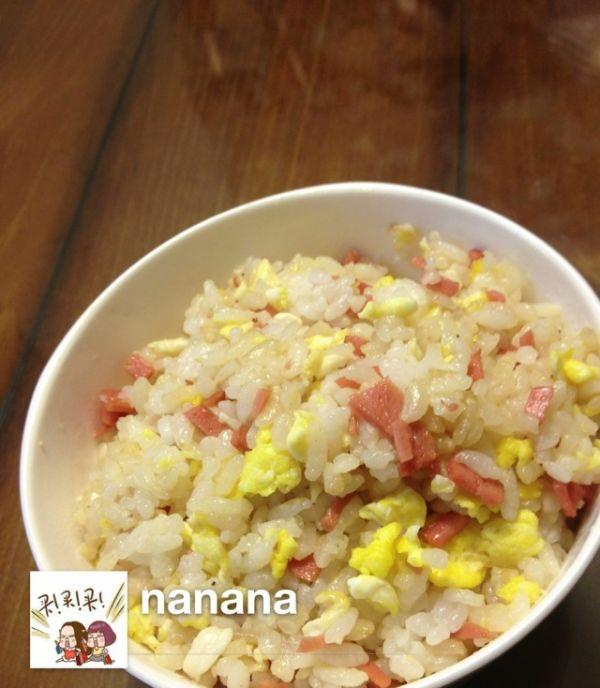 5分钟快速早餐-美味蛋炒饭的做法