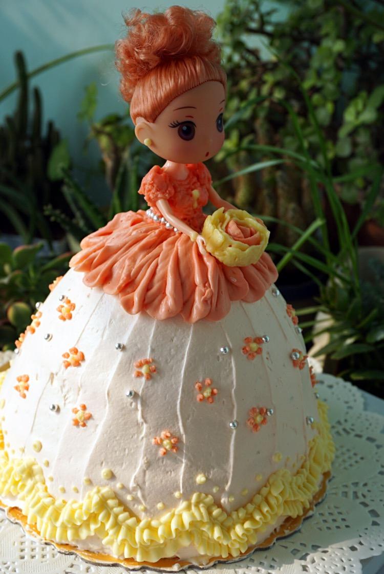 芭比娃娃蛋糕的做法步骤