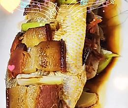 #肉食主义狂欢#腊肉蒸黄鱼的做法