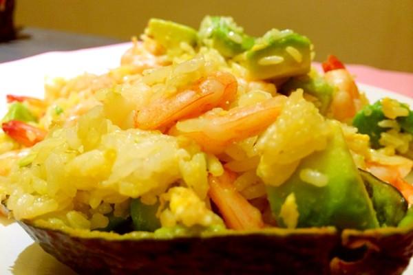 牛油果虾仁炒饭的做法