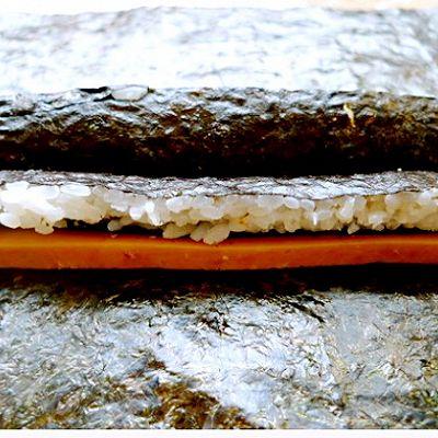 花样寿司---方型火腿花瓜鸡蛋卷的做法 步骤5