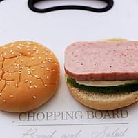 #秋天怎么吃#快手午餐肉黄瓜汉堡包的做法图解7