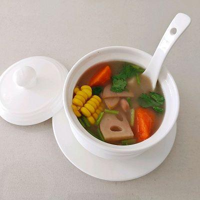 纯素养生汤-莲藕玉米花生山药汤