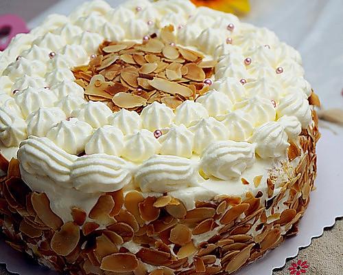 纯奶油蛋糕_杏仁片奶油蛋糕