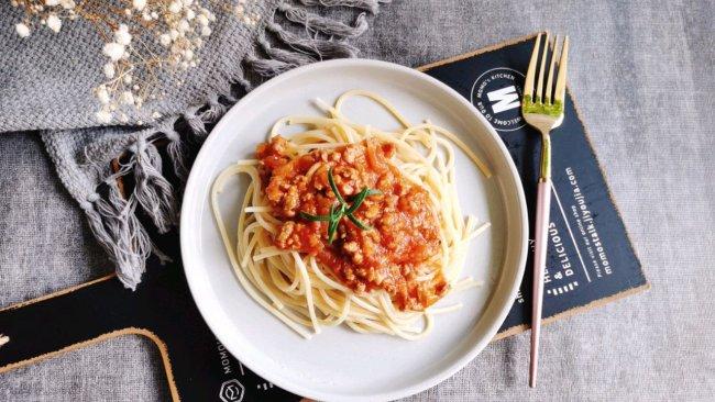 #安佳万圣烘焙奇妙夜#番茄肉酱面的做法