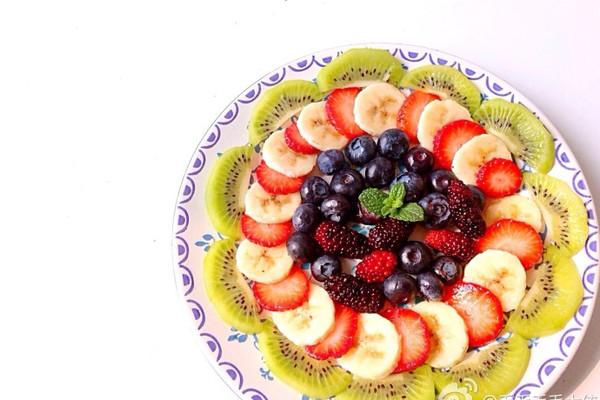 主料 各式水果无限量 辅料   创意 小心思 待客水果拼盘的做法图片