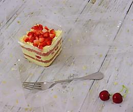 红丝绒盒子蛋糕,卡仕达酱的完美配比。的做法