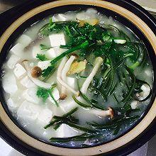 鲫鱼豆腐海带汤