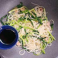 #花10分钟,做一道菜!#虾仁蛋炒面的做法图解10