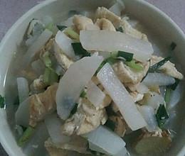 豆腐泡顿白萝卜汤的做法