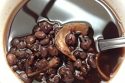 黑米红豆百合粥--简单养生营养早餐