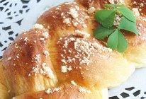 鲜奶油辫子面包的做法