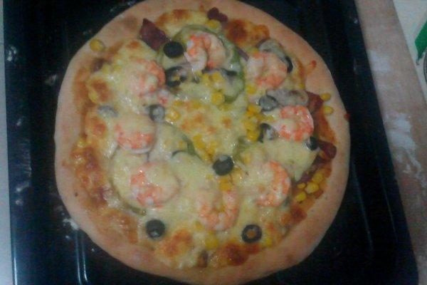 鲜虾腊肠披萨的做法