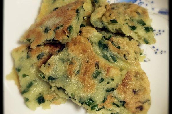 韭菜鸡蛋饼(妈妈的味道)的做法