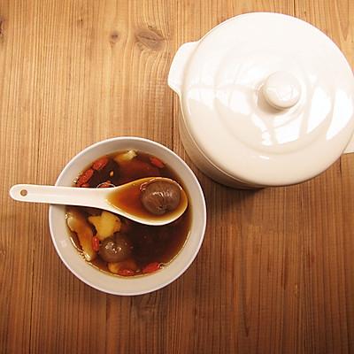补血润燥——黑糖桂圆莲子汤