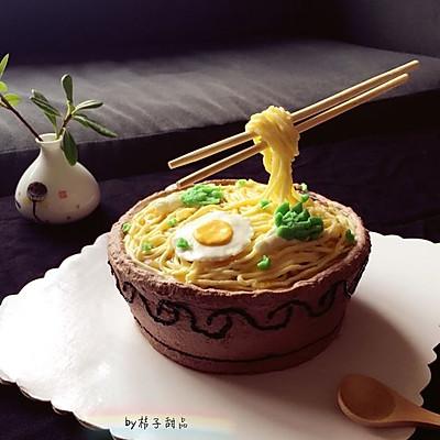 长寿面碗面生日蛋糕(附奶酪奶油霜做法)