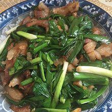 下饭菜蒜苗回锅肉。