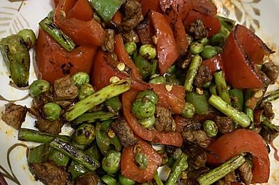 青红椒豌豆混炒牛肉丁