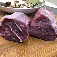 凉拌盐边牛肉的做法图解2