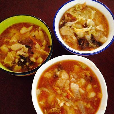 榛蘑西红柿疙瘩汤~暖暖的都是爱的做法 步骤6