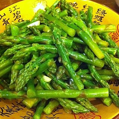 健康减脂的凉拌芦笋