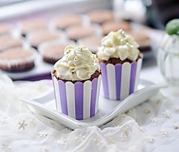 宝宝甜点:巧克力纸杯蛋糕的做法